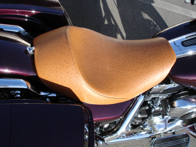 ostrich motorcycle seats for harley davidsons and vtx bikes. Black Bedroom Furniture Sets. Home Design Ideas